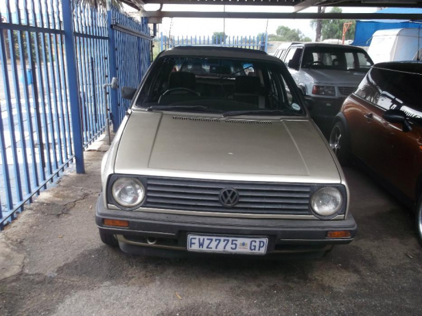 Volkswagen Golf 1.8 1986 photo - 11