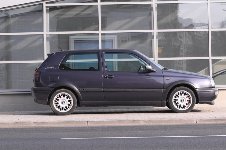 Volkswagen Golf 1.8 1988 photo - 4