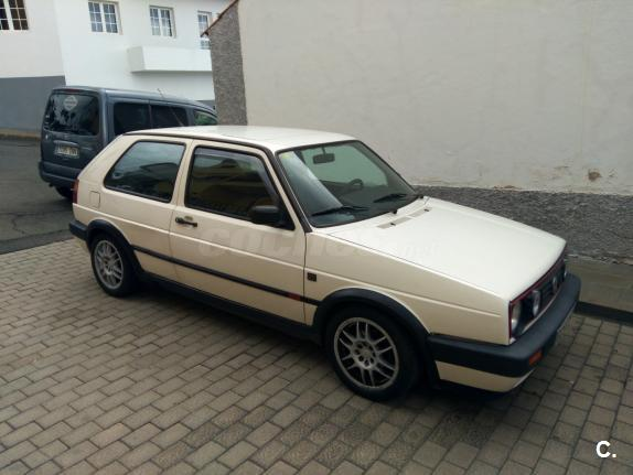 Volkswagen Golf 1.8 1990 photo - 4