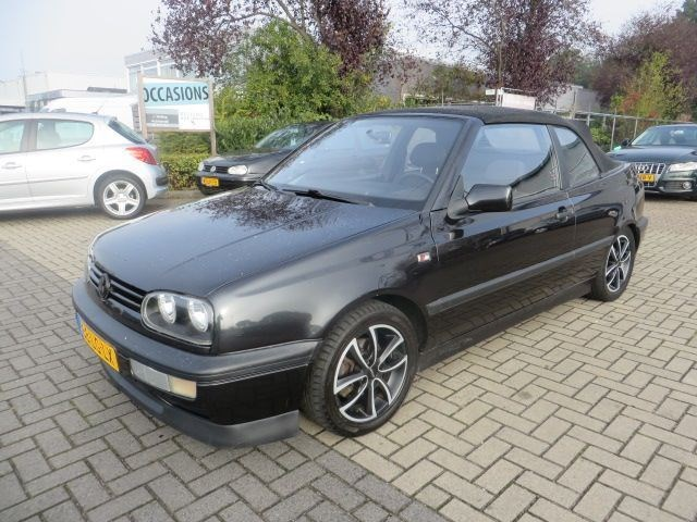 Volkswagen Golf 1.8 1994 photo - 6