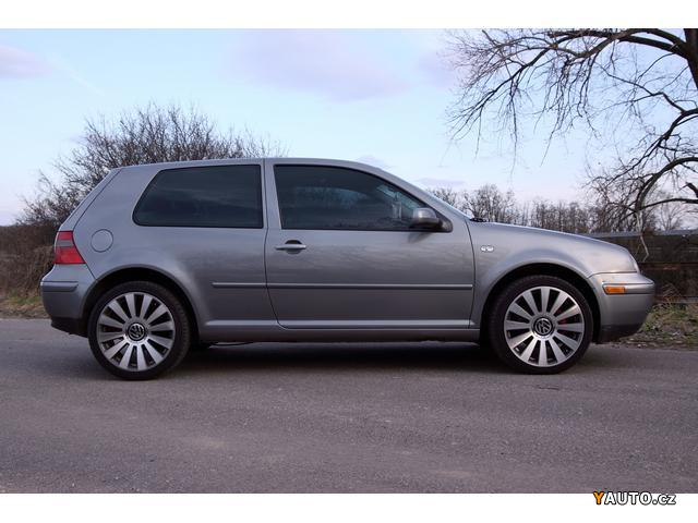 Volkswagen Golf 1.8 2004 photo - 2