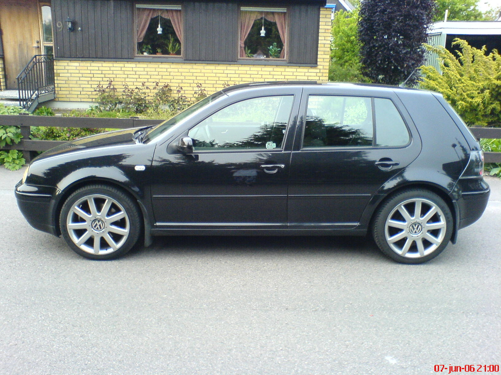 Volkswagen Golf 1.8 2004 photo - 5
