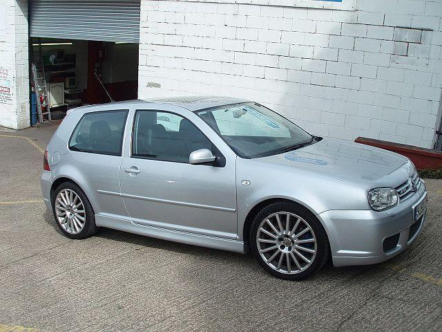 Volkswagen Golf 1.8 2004 photo - 9