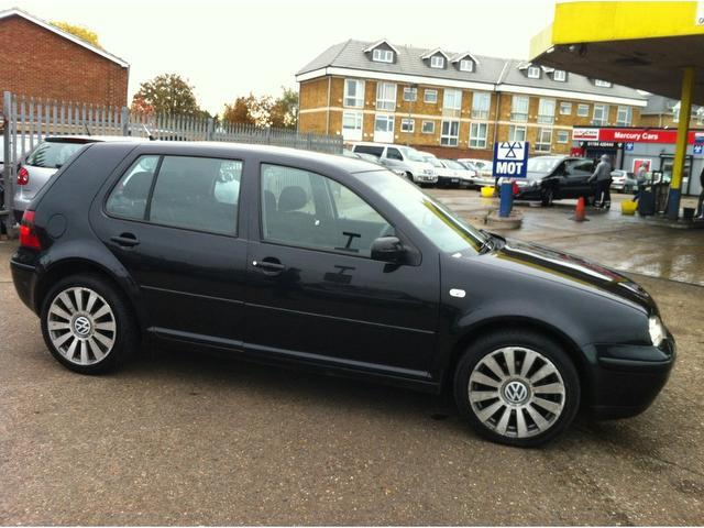 Volkswagen Golf 1.9 2003 photo - 11