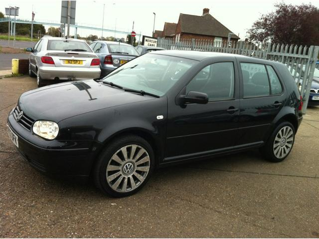 Volkswagen Golf 1.9 2003 photo - 5