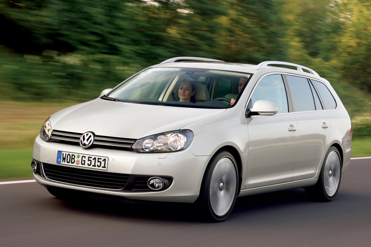 Volkswagen Golf 1.9 2010 photo - 3