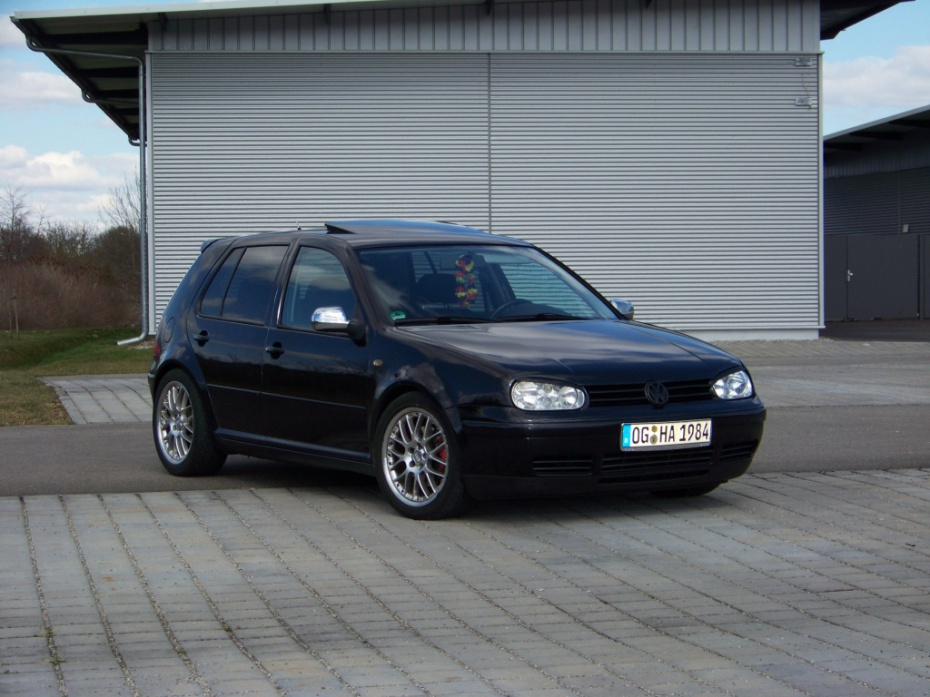 Volkswagen Golf 2.3 1999 photo - 11