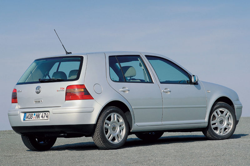 Volkswagen Golf 2.3 1999 photo - 6