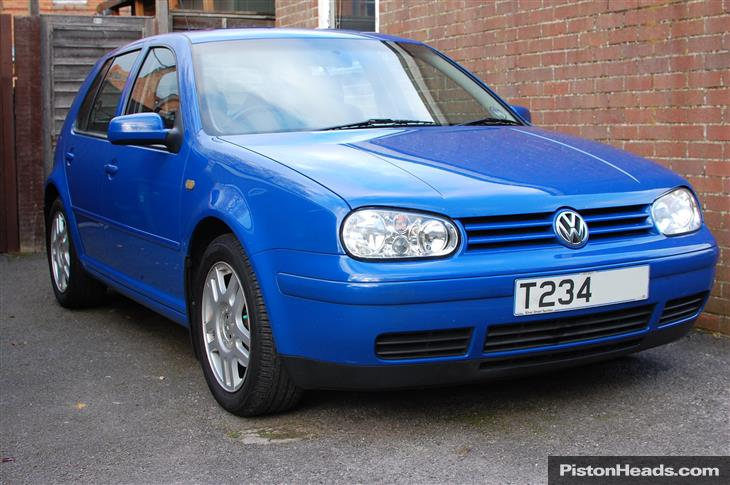 Volkswagen Golf 2.3 1999 photo - 7