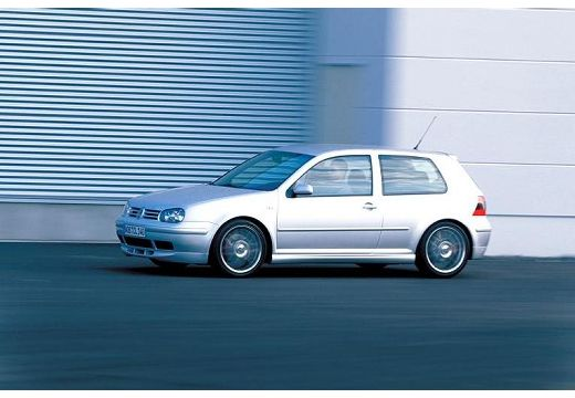 Volkswagen Golf 2.3 1999 photo - 9