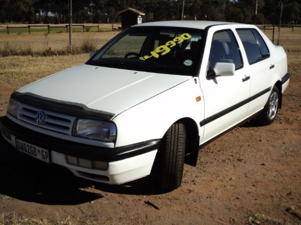 Volkswagen Jetta 1.4 1994 photo - 3