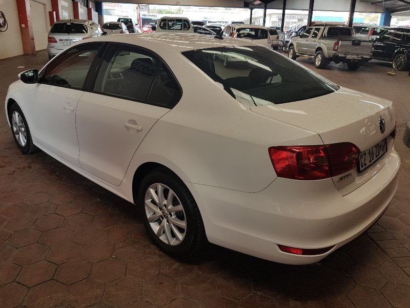 Volkswagen Jetta 1.4 2014 photo - 2