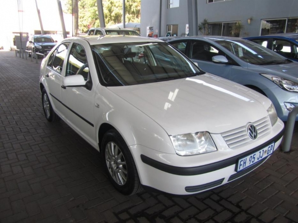 Volkswagen Jetta 1.6 2005 photo - 5
