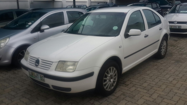 Volkswagen Jetta 1.6 2005 photo - 7
