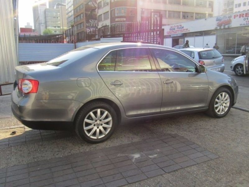 Volkswagen Jetta 1.6 2008 photo - 9