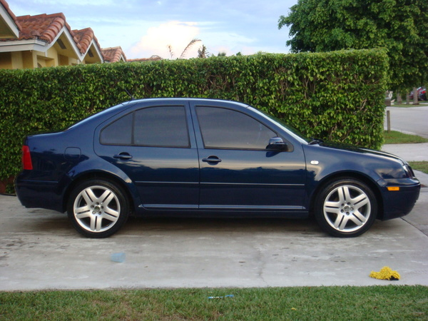 Volkswagen Jetta 2.3 2004 photo - 3