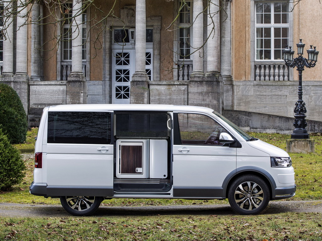 Volkswagen Multivan 1.9 2014 photo - 4