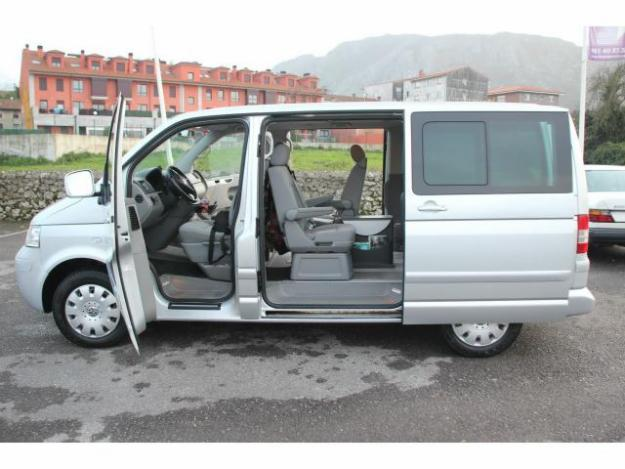 Volkswagen Multivan 2.0 2004 photo - 4