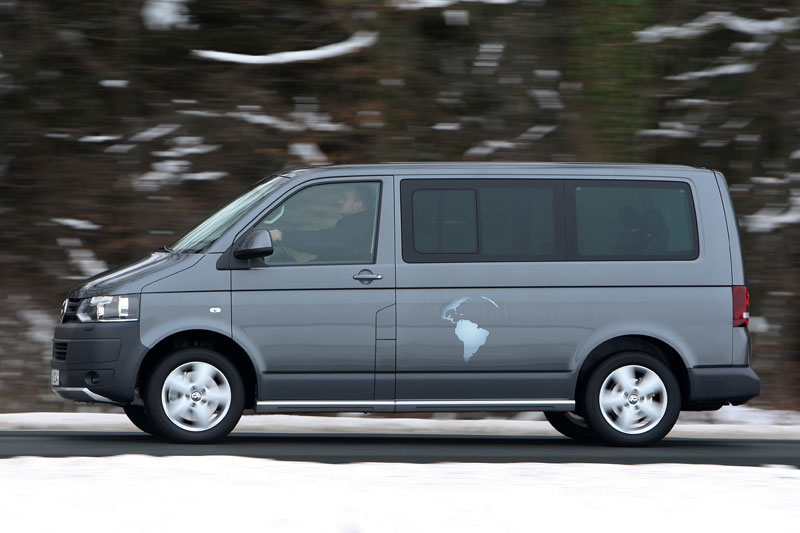 Volkswagen Multivan 2.0 2010 photo - 10