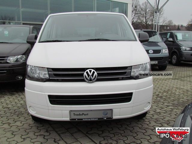 Volkswagen Multivan 2.0 2010 photo - 12