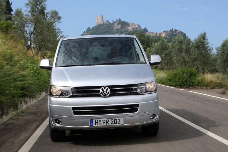 Volkswagen Multivan 2.0 2010 photo - 3