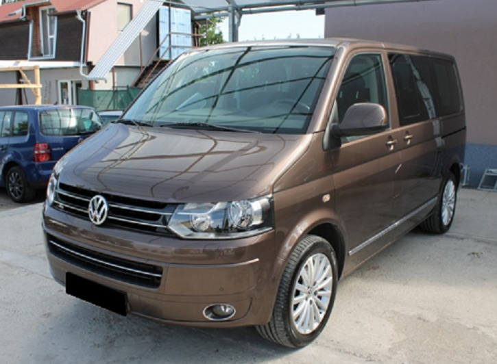 Volkswagen Multivan 2.0 2010 photo - 8