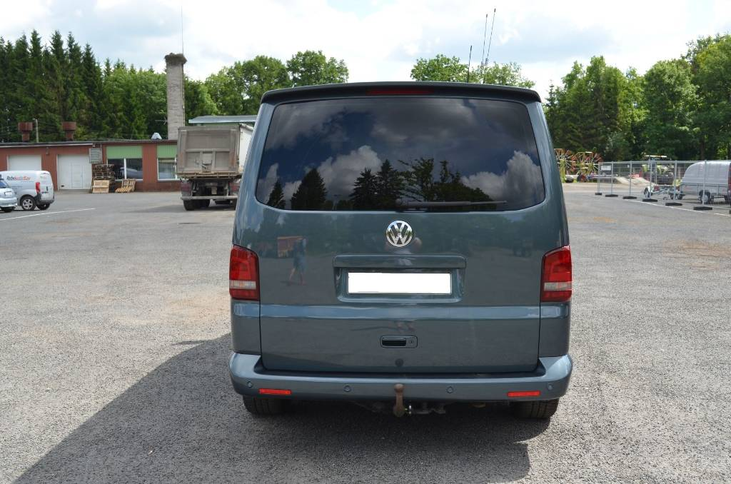 Volkswagen Multivan 3.2 2008 photo - 2