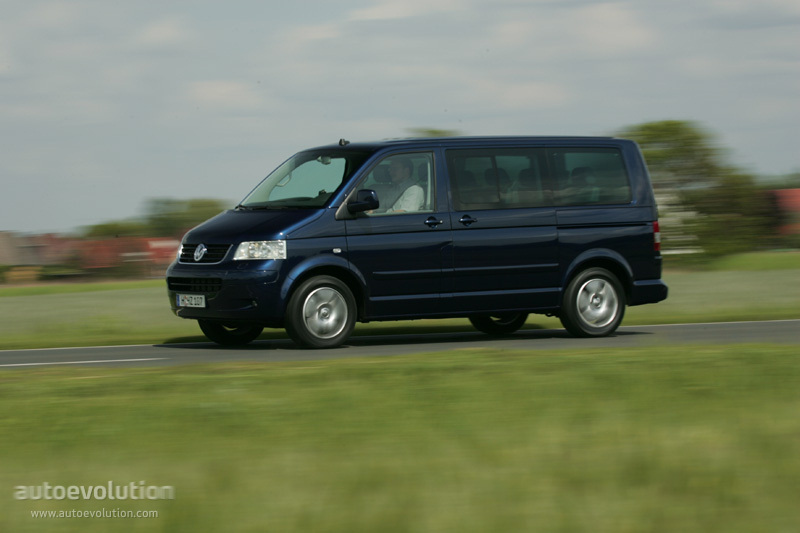 Volkswagen Multivan 3.2 2008 photo - 5