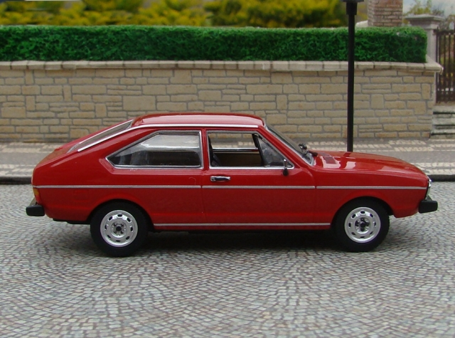 Volkswagen Passat 1.3 1985 photo - 3