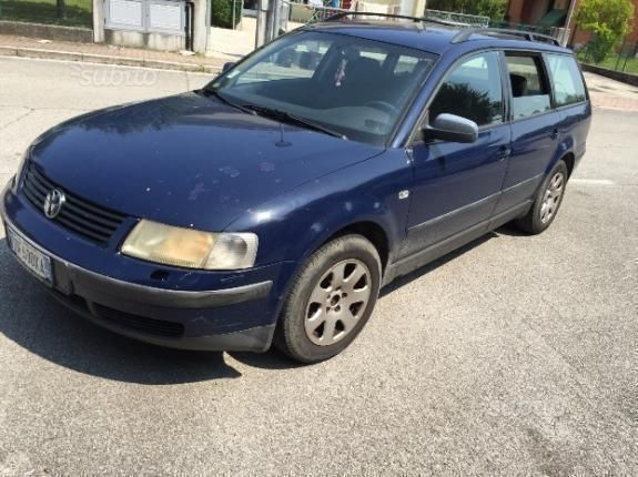 Volkswagen Passat 1.3 1997 photo - 11