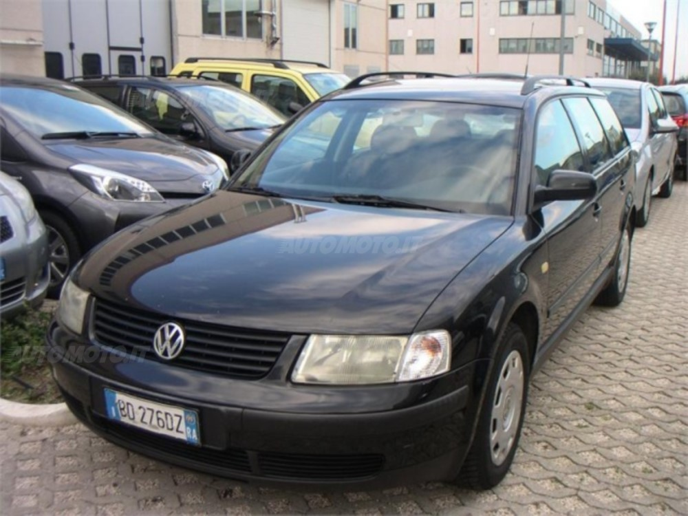 Volkswagen Passat 1.3 1997 photo - 3