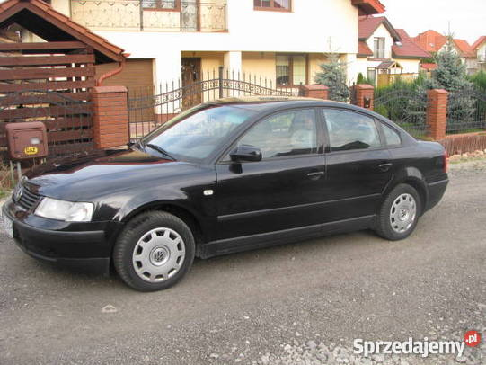 Volkswagen Passat 1.3 1997 photo - 4