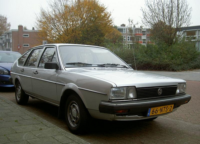 Volkswagen Passat 1.6 1983 photo - 2