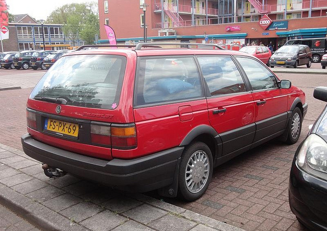 Volkswagen Passat 1.6 1991 photo - 12
