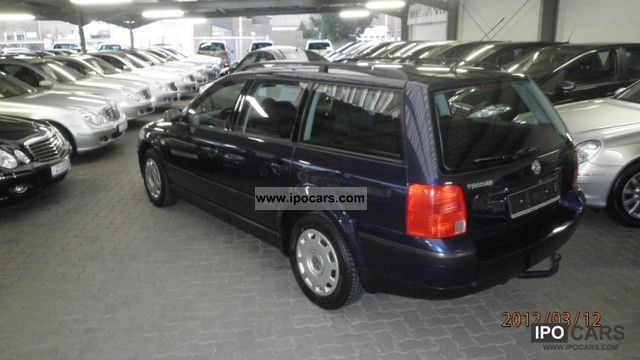 Volkswagen Passat 1.6 1991 photo - 2