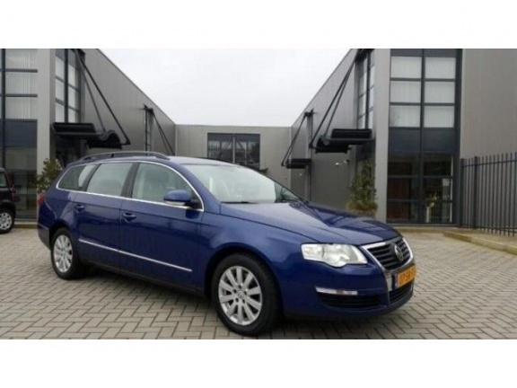 Volkswagen Passat 1.6 2006 photo - 10