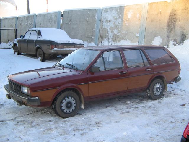 Volkswagen Passat 1.8 1984 photo - 2