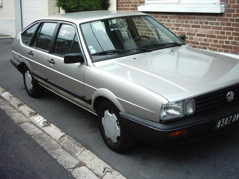 Volkswagen Passat 1.8 1984 photo - 3