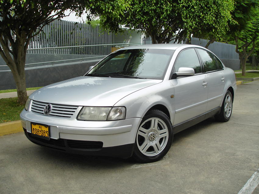 Volkswagen Passat 1.8 1998 photo - 1