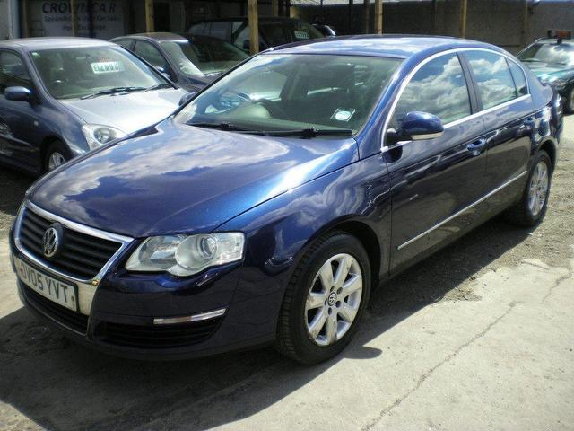 Volkswagen Passat 1.9 2005 photo - 11