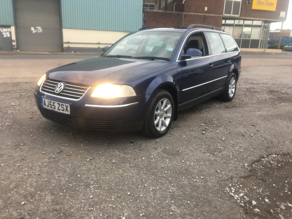 Volkswagen Passat 1.9 2005 photo - 3