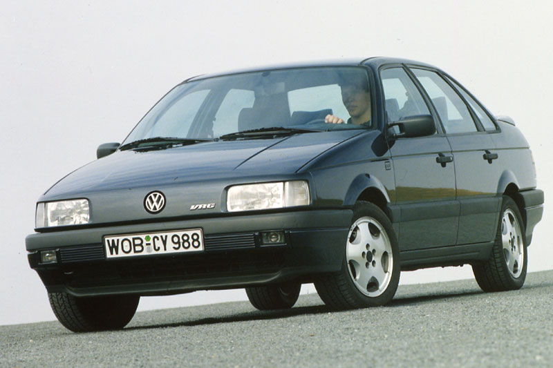 Volkswagen Passat 2.0 1988 photo - 11