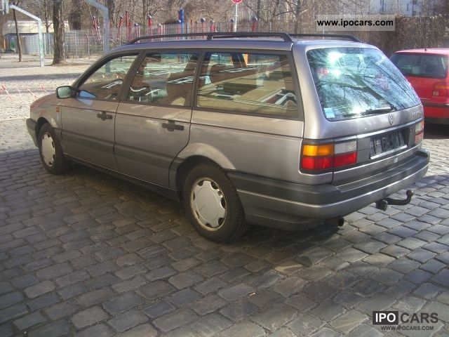 Volkswagen Passat 2.0 1992 photo - 12