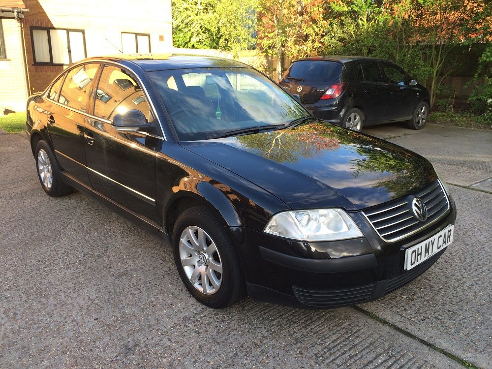 Volkswagen Passat 2.0 2004 photo - 7