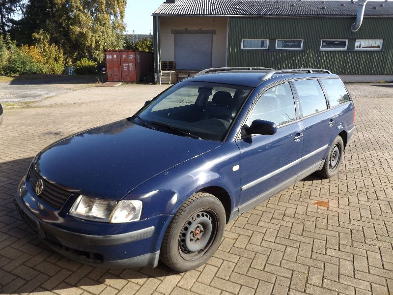 Volkswagen Passat 2.2 1995 photo - 7