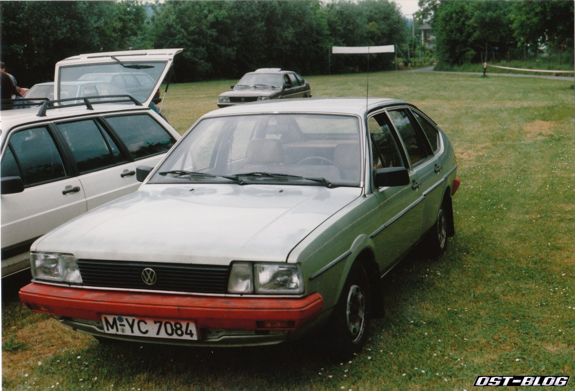 Volkswagen Passat 2.3 1995 photo - 1
