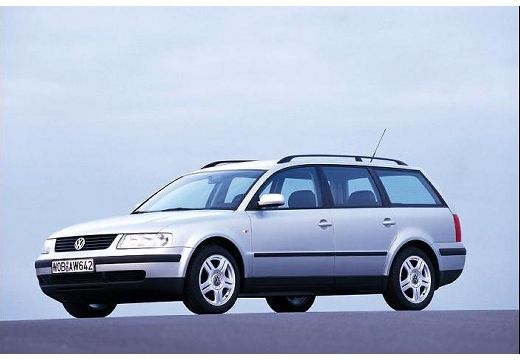 Volkswagen Passat 2.3 1995 photo - 3