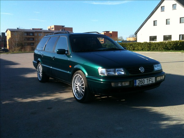Volkswagen Passat 2.3 1995 photo - 5