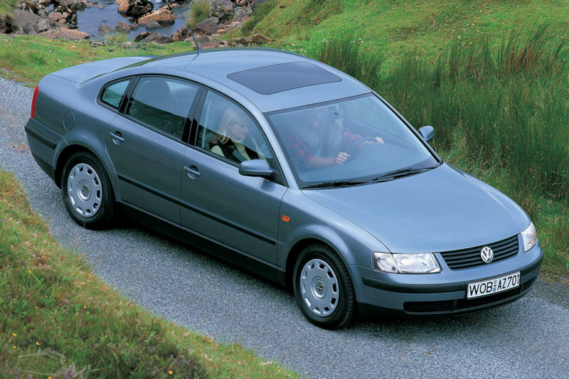 Volkswagen Passat 2.3 1998 photo - 1