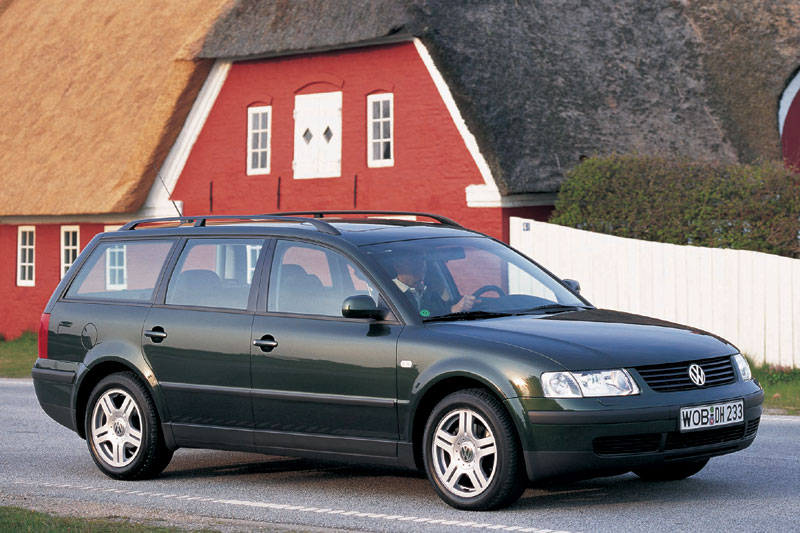 Volkswagen Passat 2.3 1998 photo - 11